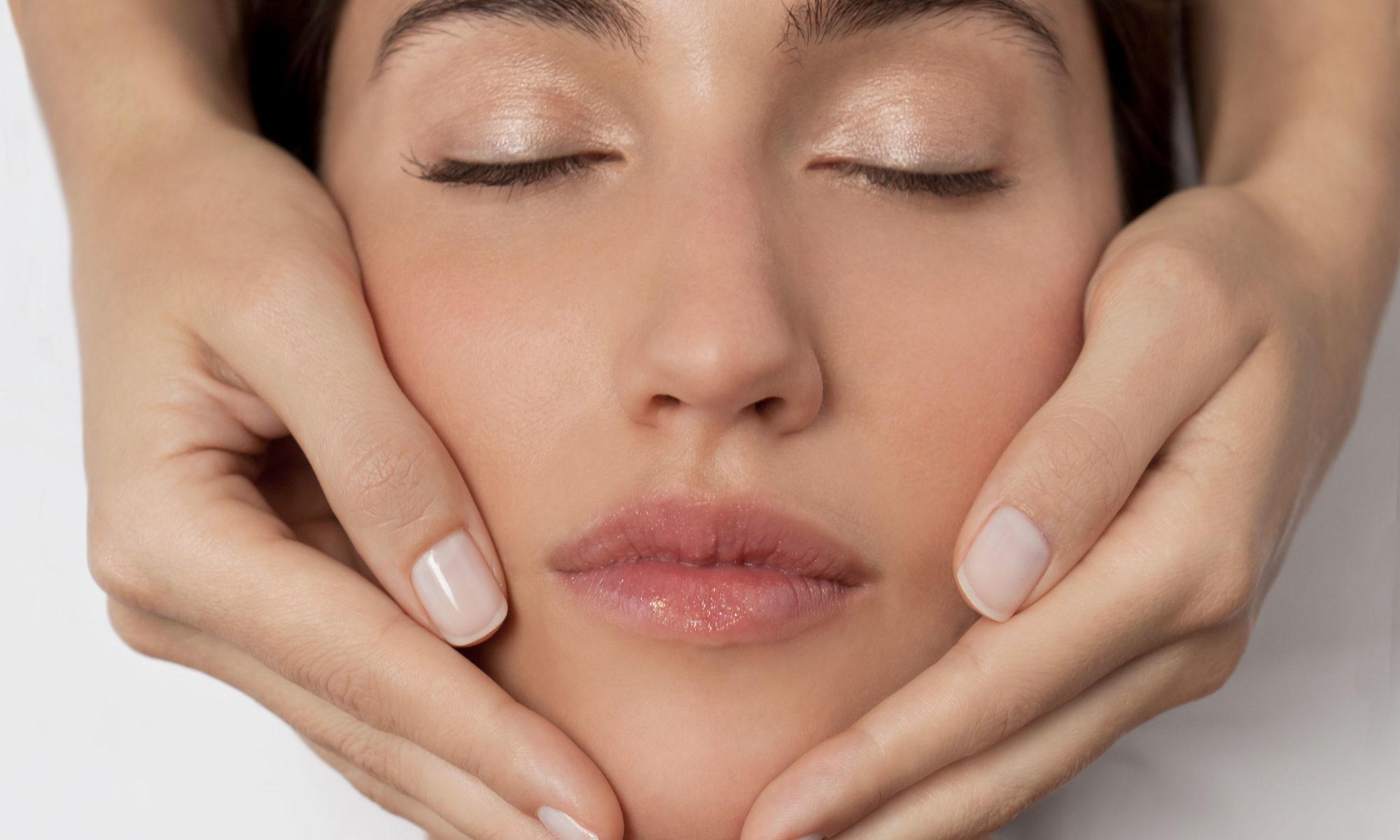 Les soins visage nous donnent une peau éclatante de beauté et pleine de vitalité.